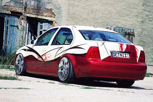 Airbrush-Künstler Jost durfte sich am 2002er Bora von Denny so richtig austoben.