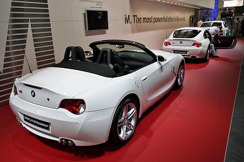 Sportler in Reih und Glied: Auch bei BMW gibt es viel Weiß zu sehen.