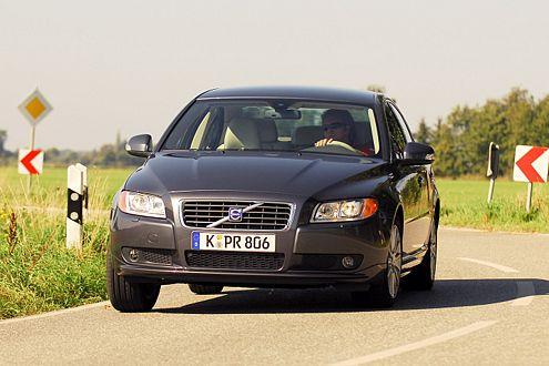 Kurios: Kurvenlicht kann seekrank machen, sagt Volvo. Und hat es deshalb abschaltbar konzipiert.