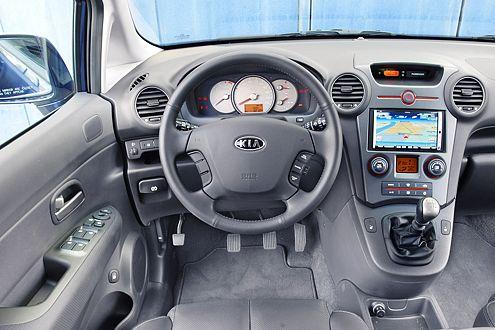 Spendabel: Kia bietet unter anderem Klima und CD-Radio in Serie.