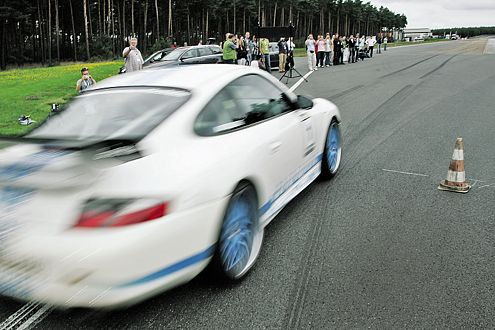 Die Viertelmeile in 11,92 Sekunden: Klaus Horn im Cargraphic GT3 RS.