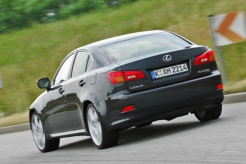 Lexus IS 220d TTE: Beim Sprint zeigt er Schwächen, in der Kurve nicht.