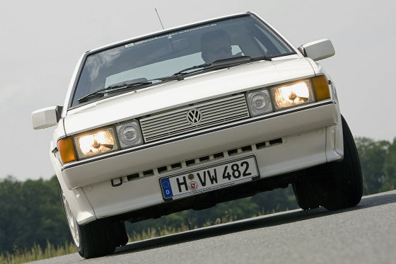 VW Scirocco II White Cat