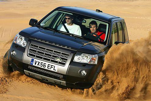Mit dem Terrain Response System meistert der kleinste Land Rover auch schweres Gelände.