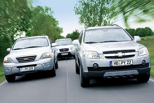 Beim Verbrauch ganz vorne: Der Captiva (rechts) säuft 9,5 Liter Diesel.