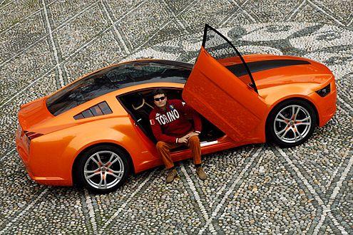 Längere Haube, verkürztes Heck: Der Mustang erinnert an den Fastback.