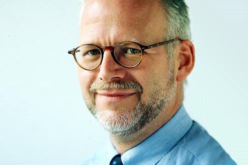 """""""Doppelt abkassiert"""": AUTO BILD-Redakteur Roland Bunke ärgert sich vor allem über die steigenden Spritpreise."""