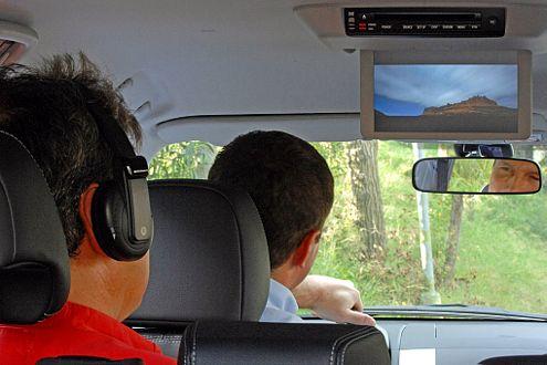 Film beim Fahren: Der DVD-Player kann optional geordert werden.
