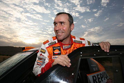 Der achtmalige Dakar-Gewinner Stéphane Peterhansel fährt auch 2007 wieder für Mitsubishi.
