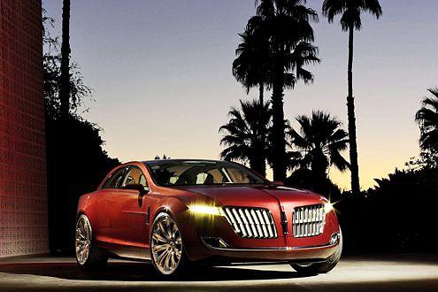 Coupé mit vier Türen: der Lincoln MKR Concept mit Ethanol-Antrieb.