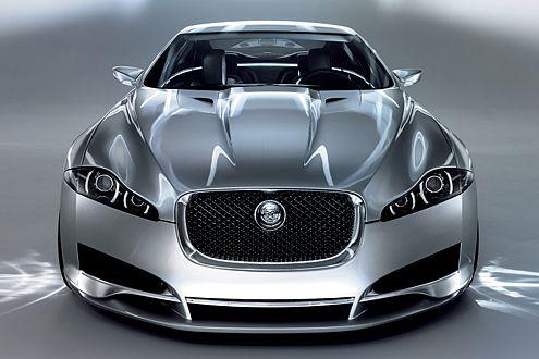 """Abkehr vom """"Vieraugen""""-Gesicht: Jaguar C-XF mit Scheinwerferschlitzen."""