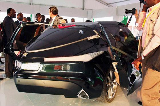 Der Wagen wurde mit libyschem Geld finanziert und von der kleinen italienischen Konstrukteursfirma Tesco TS gebaut.