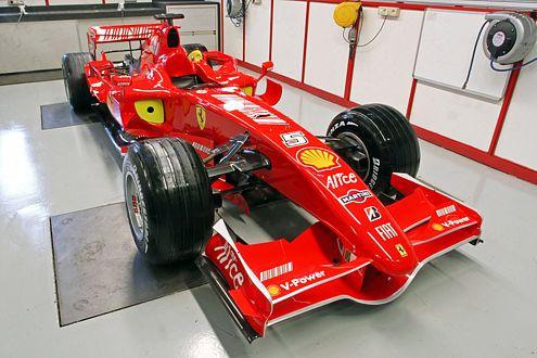 """""""Rote Göttin"""": Ferrari will mit dem neuen F2007 und den Piloten Räikkönnen und Massa Weltmeister werden."""