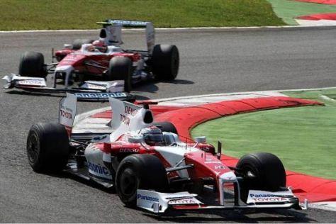Jarno Trulli und Timo Glock lieferten sich einen tollen Zweikampf