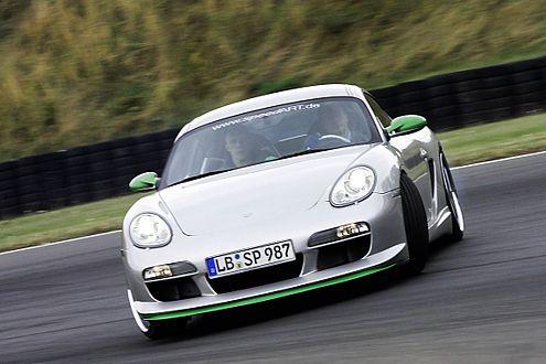 Trägt deutlich dicker auf: Porsche Cayman im Speedart-Trimm.