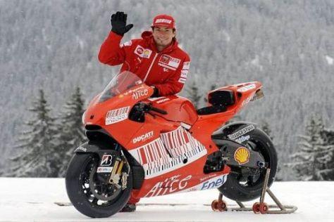 Winken im Schnee: Nicky Hayden grüßt in dieser Woche aus Madonna die Campiglio