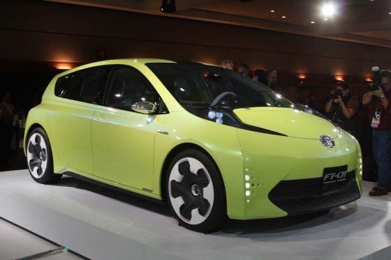 Sieht ganz schön keck aus: Die kleine Studie FT-CH von Toyota ist ein Vorreiter der neuen Hybrid-Familie der Japaner.
