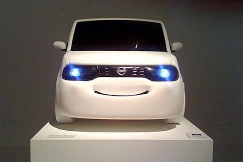 Nissan Cube-Modell mit Lächel-Optik