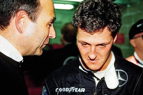 Alte Verbindung: Schumi war 1990/'91 als Mercedes-Junior im Sportwagen unterwegs - hier mit Peter Sauber.