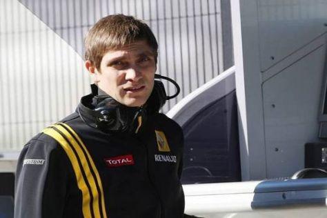 Noch ist Vitaly Petrov nur Zaungast: Am Mittwoch greift der Russe ins Testlenkrad