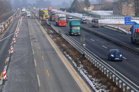 Fahrbahnschäden auf der Autobahn A1