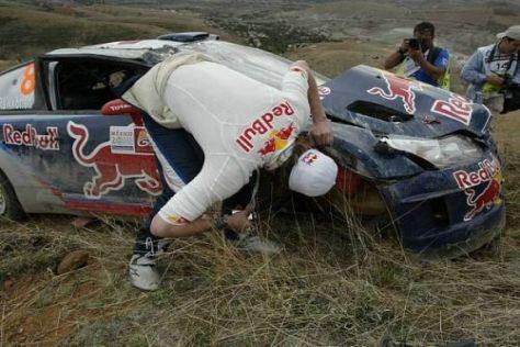 Da geht nichts mehr: Kimi Räikkönen und sein arg rampomierter C4 WRC
