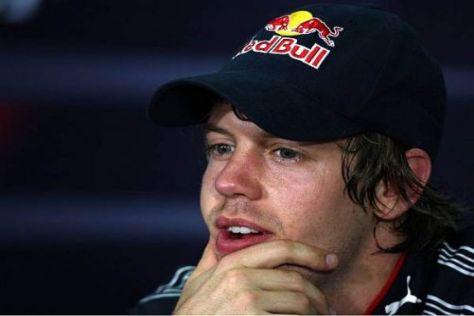Sebastian Vettel verfolgt die Diskussionen in der Formel 1 amüsiert-entspannt