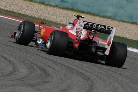 Fernando Alonso tritt beim Heimspiel in Barcelona erstmals mit Ferrari an