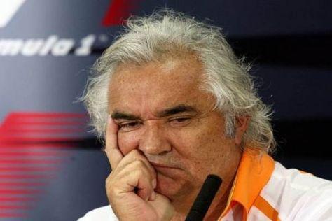 Flavio Briatore prophezeit Michael Schumacher eine schwierige Saison