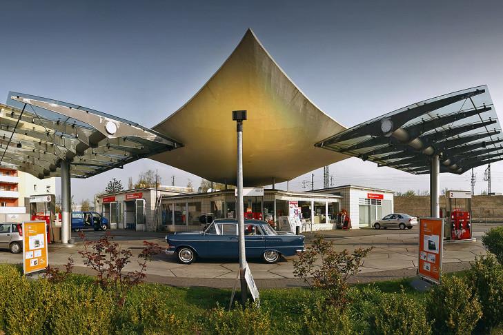 Tankstelle in Köln (50er Jahre)