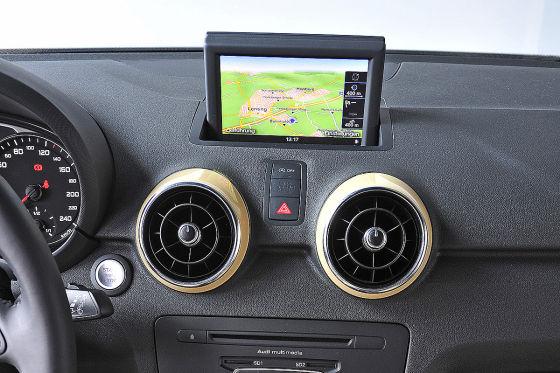 Das MMI Navigation Plus mit großem Bildschirm und allen Elektronikscherzen kostet 2650 Euro. Schon rückt der Edel-A1 für gut 30.000 Euro in greifbare Nähe ...