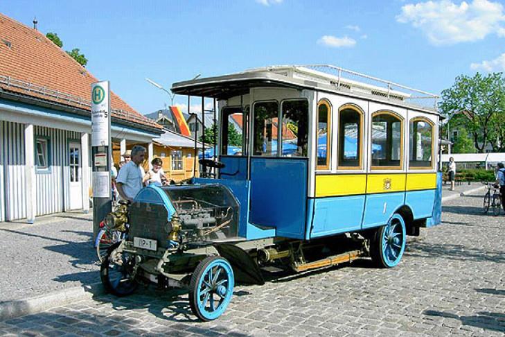 Daimler-Postbus (1905)