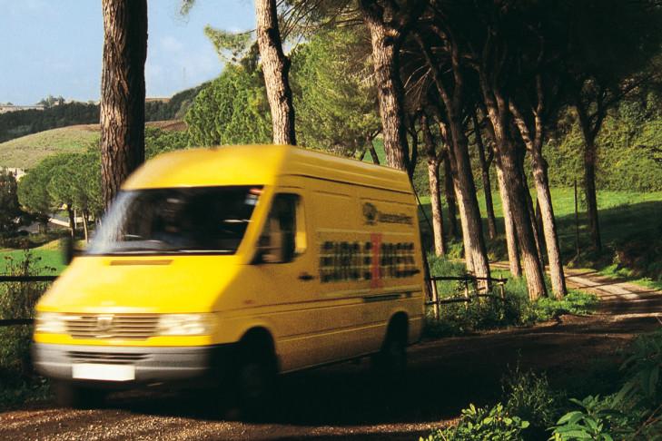 Mercedes Sprinter der Post