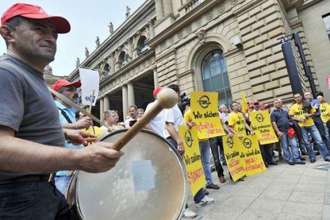 Opel: Protest für Staatshilfe