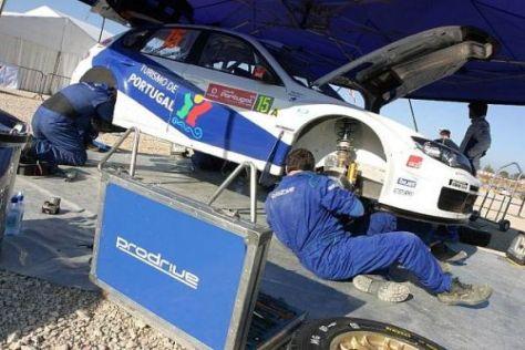 Schrauben die Prodrive-Mechaniker bald an Toyota-Boliden herum?