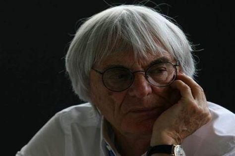 Bernie Ecclestone sieht die Zukunft bei zwei Formel-1-Teams derzeit kritisch