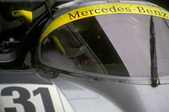 1991 drängte Schumacher den damaligen Jaguar-Piloten Warwick beim Langstreckenrennen auf dem Nürburgring ab.