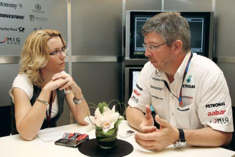 ABMS-Reporterin Garloff mit Mercedes GP-Teamchef Brawn