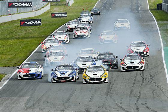 Die Maserati Trofeo beim Start
