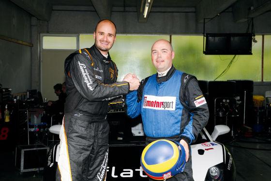 Prinz Albert von Thurn und Taxis schlägt mit Guido Naumann ein