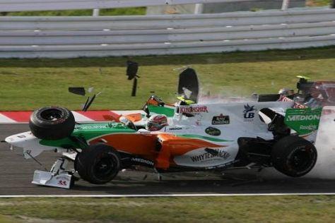 Felipe Massa krachte mit voller Wucht in das Auto von Vitantonio Liuzzi