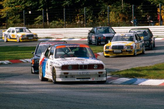 BMW M3 E30 auf der Rennstrecke