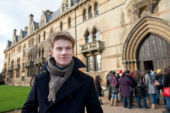 Nico Hülkenberg vor der Universität in Oxford