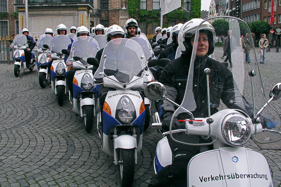 Jagd auf Falschparker per Motorroller in Düsseldorf