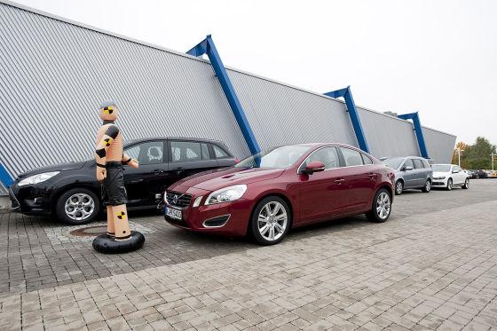 ADAC testet Volvo-Notbremsassistent