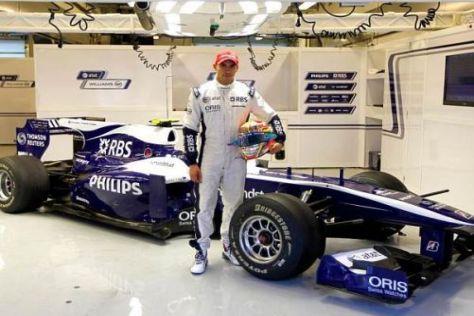 Pastor Maldonado posierte bei den Young-Driver-Days vor einem Williams