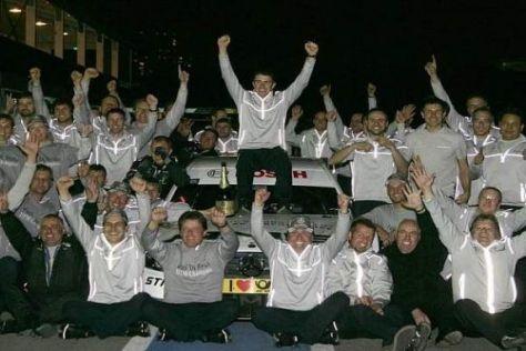 Geschafft: Paul di Resta und Mercedes feiern in Schanghai den Meistertitel