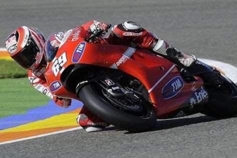 Mit Ducati auf zu neuen Ufern: Nicky Hayden will 2011 besser punkten als 2010