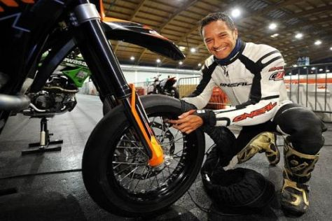 Timo Scheider wechselt am kommenden Wochenende auf zwei Räder