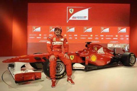 Fernando Alonso mit seinem neuen Gefährt: F150 bringt große Hoffnungen